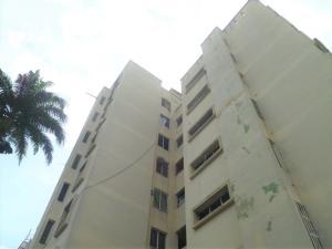 Apartamento En Ventaen Valencia, Camoruco, Venezuela, VE RAH: 20-6346
