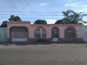 Casa En Ventaen Barquisimeto, Parroquia Concepcion, Venezuela, VE RAH: 20-6400