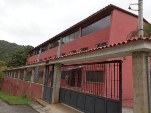 Casa En Ventaen Caracas, Parque Caiza, Venezuela, VE RAH: 20-6452