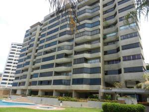 Apartamento En Ventaen Catia La Mar, Playa Grande, Venezuela, VE RAH: 20-6443