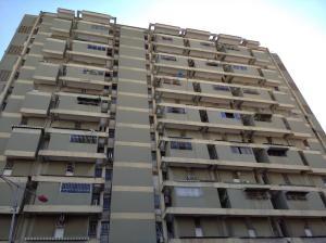 Apartamento En Ventaen Maracay, Avenida Ayacucho, Venezuela, VE RAH: 20-6455