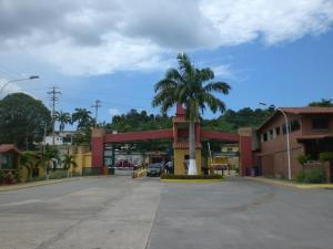 Casa En Alquileren Guatire, Villa Del Este, Venezuela, VE RAH: 20-6469