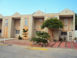 Townhouse En Ventaen Maracaibo, Amparo, Venezuela, VE RAH: 20-15318