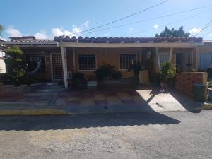 Casa En Ventaen Cabudare, Parroquia José Gregorio, Venezuela, VE RAH: 20-6506