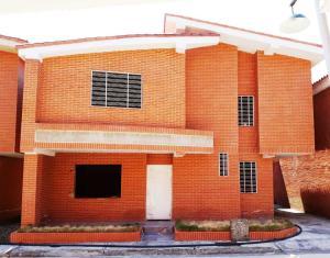 Casa En Ventaen La Victoria, Guaracarima, Venezuela, VE RAH: 20-7227