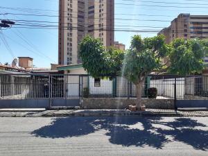 Casa En Ventaen Maracay, El Centro, Venezuela, VE RAH: 20-6706