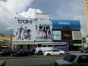 Local Comercial En Ventaen Maracay, Avenida Bolivar, Venezuela, VE RAH: 20-6639