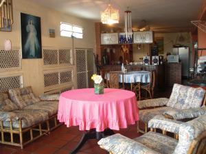 Casa En Ventaen Coro, Sector Los Orumos, Venezuela, VE RAH: 20-6682