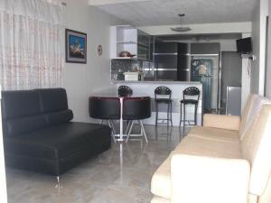Casa En Ventaen Coro, Intercomunal Coro La Vela, Venezuela, VE RAH: 20-6728