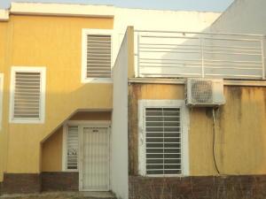 Townhouse En Ventaen Cua, Villa Falcon, Venezuela, VE RAH: 20-6735