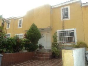 Townhouse En Ventaen Cua, Villa Falcon, Venezuela, VE RAH: 20-6742