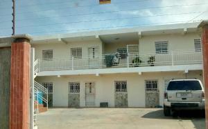 Apartamento En Ventaen Maracaibo, Circunvalacion Dos, Venezuela, VE RAH: 20-6829