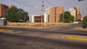 Terreno En Ventaen Maracaibo, Avenida Bella Vista, Venezuela, VE RAH: 20-6801