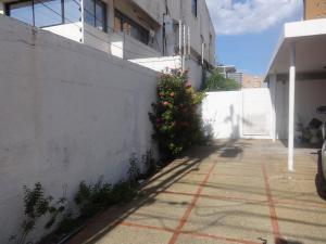 Casa En Alquileren Maracaibo, Avenida Universidad, Venezuela, VE RAH: 20-6828