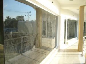 Local Comercial En Alquileren Maracaibo, Avenida Milagro Norte, Venezuela, VE RAH: 20-6834