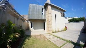 Casa En Ventaen Maracaibo, Zona Norte, Venezuela, VE RAH: 20-6839
