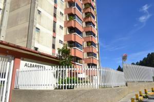 Apartamento En Ventaen San Antonio De Los Altos, Colinas De San Antonio, Venezuela, VE RAH: 20-7208