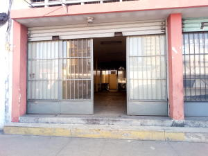Local Comercial En Alquileren Maracay, Avenida Bolivar, Venezuela, VE RAH: 20-7789