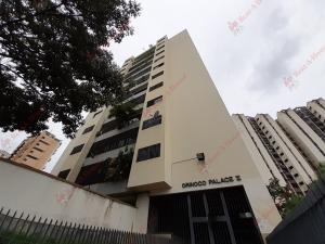 Apartamento En Ventaen Valencia, Valles De Camoruco, Venezuela, VE RAH: 20-7003
