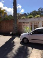Casa En Ventaen Caracas, La Boyera, Venezuela, VE RAH: 20-7171