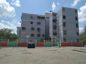 Apartamento En Ventaen Los Teques, Los Teques, Venezuela, VE RAH: 20-7284