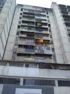 Apartamento En Ventaen Caracas, San Martin, Venezuela, VE RAH: 20-7203