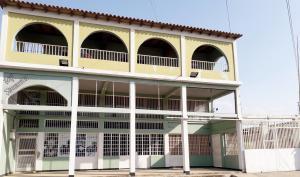 Edificio En Ventaen Coro, Centro, Venezuela, VE RAH: 20-7197