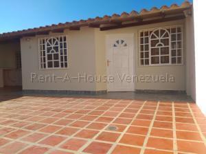 Casa En Ventaen Punto Fijo, Puerta Maraven, Venezuela, VE RAH: 20-7237