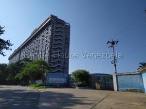 Apartamento En Ventaen Higuerote, Ciudad Balneario Higuerote, Venezuela, VE RAH: 20-9231