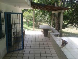 Casa En Ventaen Tacarigua, Tacarigua, Venezuela, VE RAH: 20-7329