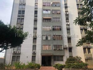 Apartamento En Ventaen Maracaibo, Avenida Goajira, Venezuela, VE RAH: 20-7388