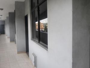 Oficina En Alquileren Municipio San Diego, Castillito, Venezuela, VE RAH: 20-7364