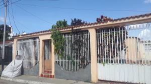 Casa En Ventaen Cabudare, Valle Hondo, Venezuela, VE RAH: 20-7377