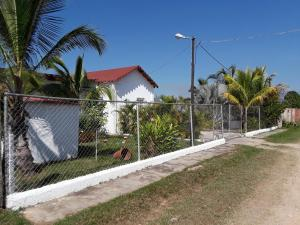 Terreno En Ventaen Municipio Libertador, El Encanto, Venezuela, VE RAH: 20-8674