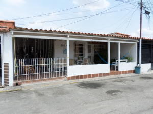 Casa En Ventaen Barquisimeto, Parroquia Santa Rosa, Venezuela, VE RAH: 20-7393