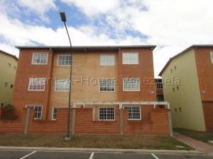 Apartamento En Ventaen Guatire, Alto Grande, Venezuela, VE RAH: 20-7418