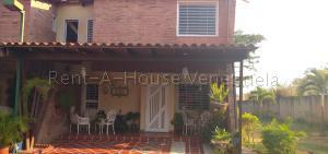 Townhouse En Ventaen Municipio San Diego, Villa Jardin, Venezuela, VE RAH: 20-7422