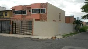 Casa En Ventaen Municipio Naguanagua, Quintas Del Norte, Venezuela, VE RAH: 20-7410