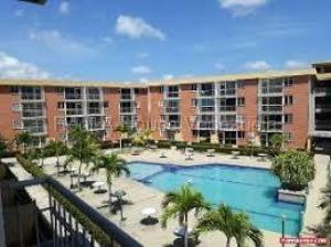 Apartamento En Ventaen Higuerote, La Costanera, Venezuela, VE RAH: 20-7474