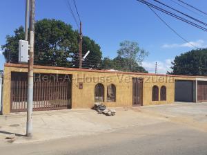 Casa En Ventaen Municipio San Francisco, La Coromoto, Venezuela, VE RAH: 20-8786