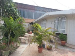 Casa En Ventaen Municipio San Francisco, La Coromoto, Venezuela, VE RAH: 20-7486
