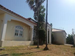Casa En Ventaen Ciudad Ojeda, Tamare, Venezuela, VE RAH: 20-7554