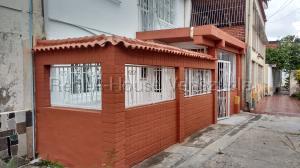 Casa En Ventaen Guarenas, Alejandro Oropeza Castillo Ii, Venezuela, VE RAH: 20-9344