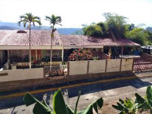 Casa En Ventaen Valles Del Tuy, Los Anaucos Country Club, Venezuela, VE RAH: 20-7779
