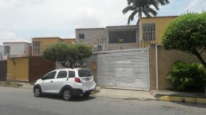 Casa En Ventaen Barquisimeto, Parroquia Santa Rosa, Venezuela, VE RAH: 20-7604
