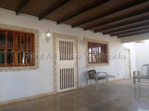 Casa En Ventaen Punto Fijo, Puerta Maraven, Venezuela, VE RAH: 20-7647