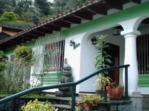 Casa En Ventaen Caracas, Santa Paula, Venezuela, VE RAH: 20-7651