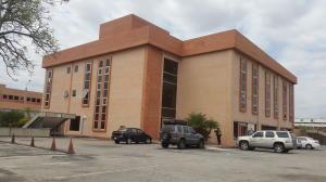 Local Comercial En Alquileren Valencia, Zona Industrial, Venezuela, VE RAH: 20-7662