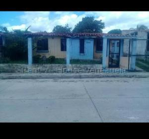 Casa En Ventaen Municipio San Diego, La Cumaca, Venezuela, VE RAH: 20-8055