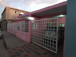 Casa En Ventaen Ciudad Ojeda, Barrio Libertad, Venezuela, VE RAH: 20-6773